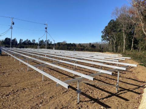 太陽光架台組み立て