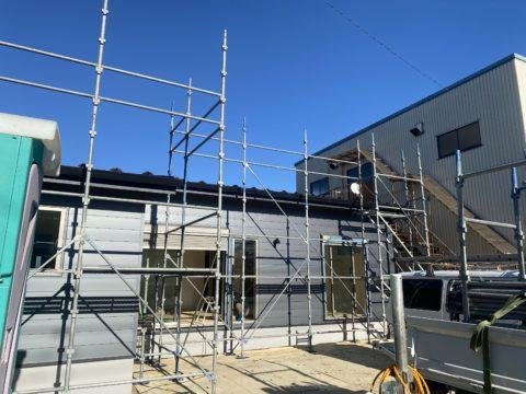 新築住宅屋根上太陽光足場